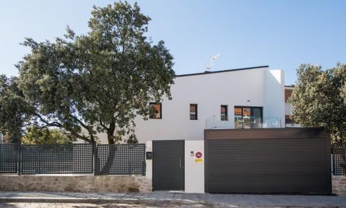 Residencial ZOE51 vivienda unifamiliar pareada y piscina