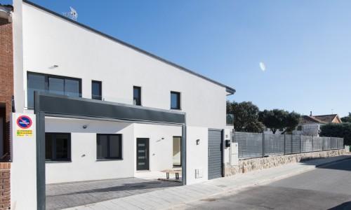 Residencial ZOE51 vivienda unifamiliar pareada y piscina 2