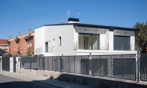 Residencial ZOE51 vivienda unifamiliar pareada y piscina 3