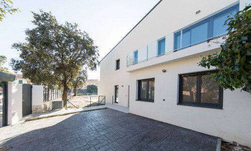 Residencial ZOE51 vivienda unifamiliar pareada y piscina 5