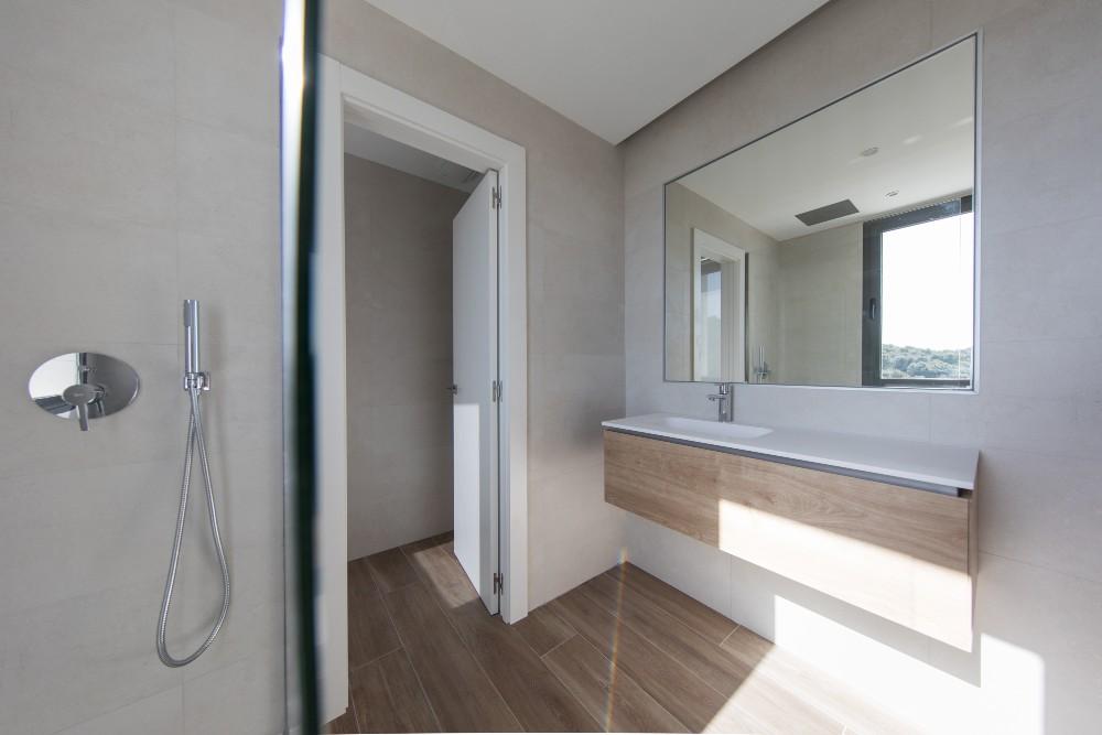 Cuáles son los mejores materiales para tu cuarto de baño. LEE