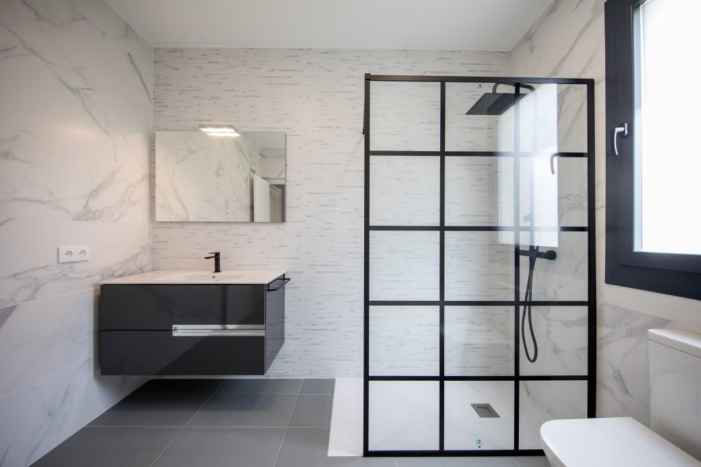 Te contamos cuáles son los mejores materiales para tu cuarto de baño