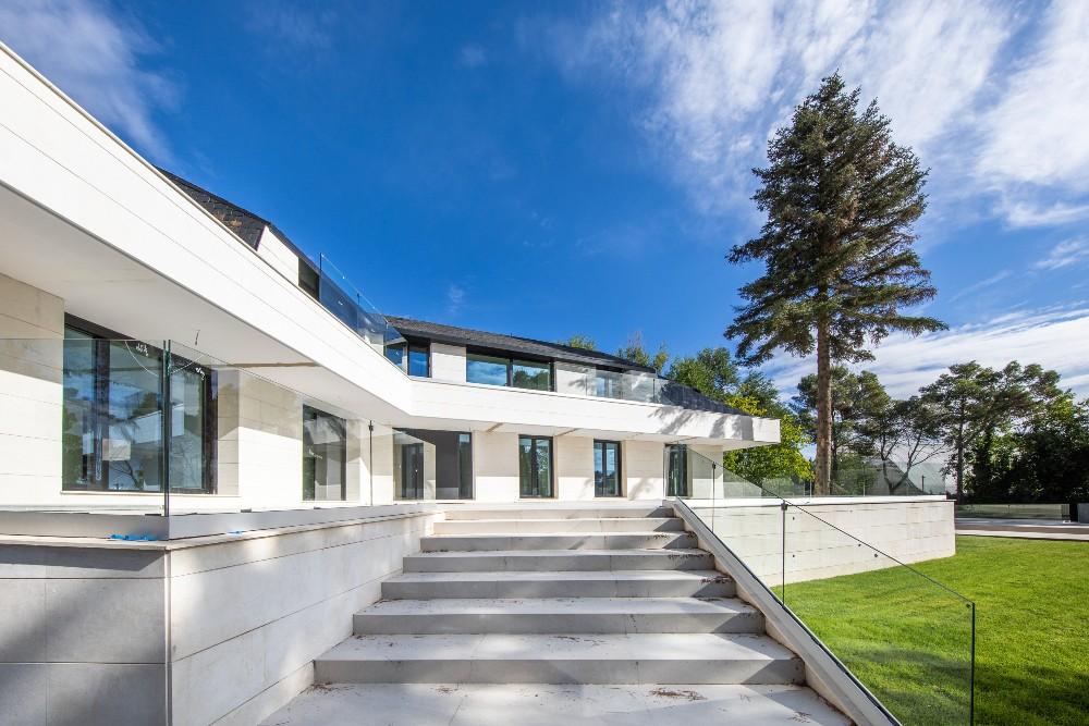 El diseño de una casa debe ser funcional y adaptado a tus necesidades.